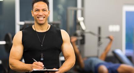 10 Gratis-Tipps, wie auch Du garantiert leicht Fitnesstrainer werden kannst